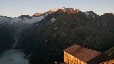 Olperer Hütte hut, © Tirol Werbung/Jens Schwarz