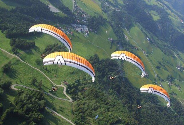 Paragliding in Kössen