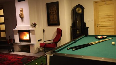 Moroder Haus - Pool and Fire place