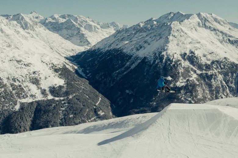 Snow heroes leap, carve and stomp landings in some of the most beautiful terrain parks in Tirol, the Sölden Snow Park.