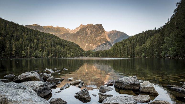 Lake Piburger See in Ötztal Nature Park, © Ötztal Tourismus / Rudi Wyhlidal