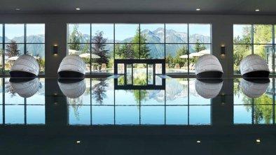 Poolanlage mit Panormablick in die Alpen, © Interalpen-Hotel Tyrol