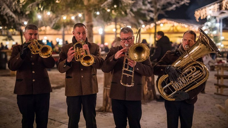 """Silent Night! Holy Night!"" performed by a Wind Ensemble, © Michael Grössinger / Tirol Werbung"