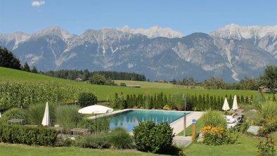 Garten mit Pool, © Isabella T.