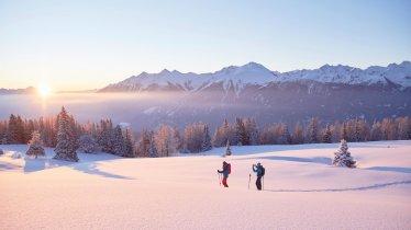 Snowshoe walking on Mieming Plateau, © Innsbruck Tourism / Christian Vorhofer
