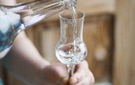 Aldranser Alm, Schnapsglas