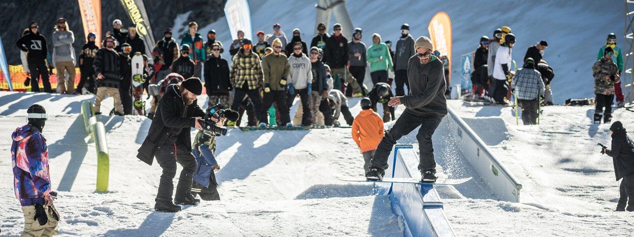The new winter season kicks off with Stubai Premiere at Stubai Zoo Terrain Park, © Stubaier Gletscher/Stefan Eigner