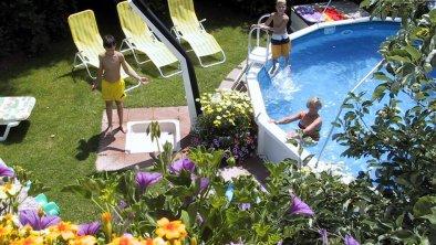 Pool Apart Carina