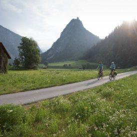 Kronberg Castle on the Inn Cycle Path, © Tirol Werbung / Oliver Soulas