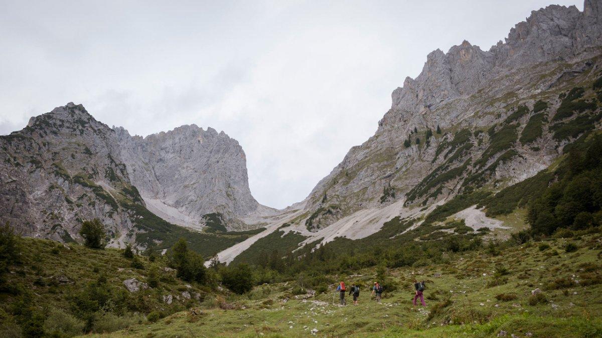 The Eagle Walk begins in the Wilder Kaiser Mountains, © Tirol Werbung