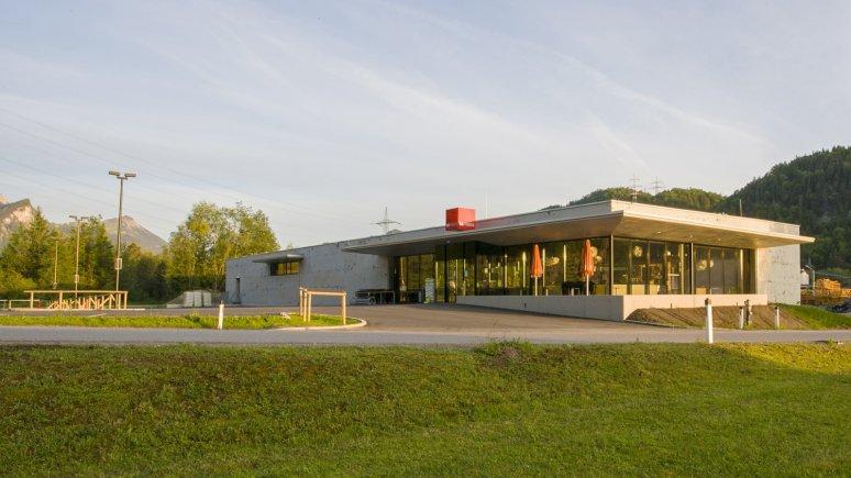 MPREIS-branch in Pinswang, Architect: Raimund Rainer, © Simon Rainer