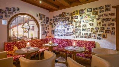 Sitzgelegenheiten in der Bar, © Hotel Karlwirt
