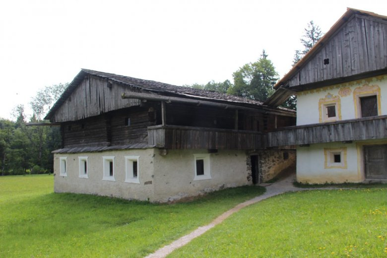 """""""Alter Segger"""", built between 1370 and 1420, from Kartitsch. A """"Haufenhof"""" farm type typical for East Tirol where the various functions are separated in different buildings."""