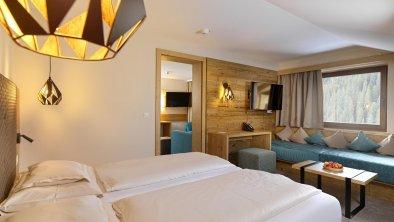 hotel_zirbenhof_hochfuegen_panoramafamilysuite 1