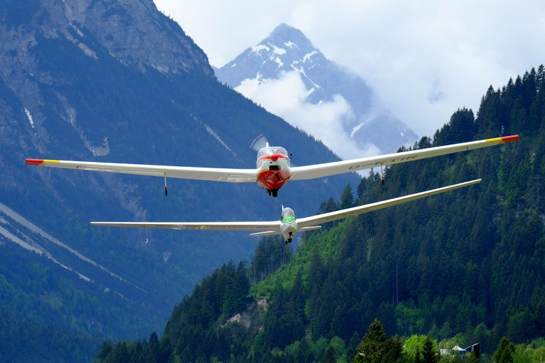 "The ""Rotax Falke"" motor glider pulls gliders into the air and is used for tourist excursions. Photo: Philip Preindl"