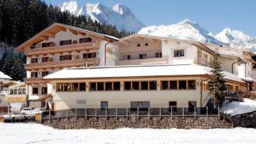 Außenansicht Hotel Alpenhof Gerlos Winter