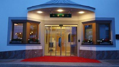 Hotel-Eingang mit Automatiktüre