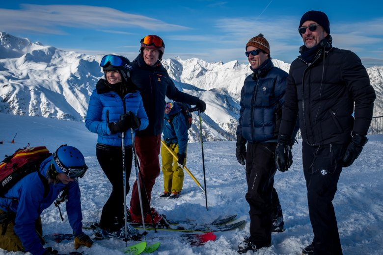 On location at the top of the Schönjoch lift in Fiss. (c) 2020 Twentieth Century Fox Film Corporation All Rights Reserved, Photo by Jaap Buitendijk , © Twentieth Century Fox Film Corporation, Photo by Jaap Buitendijk