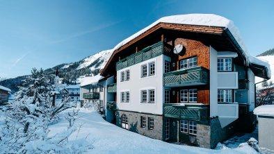 Apart-Suite Villa Rosa_Winter_Garten_02