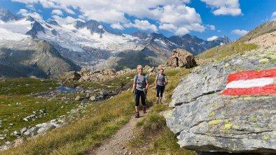 Wandern im Naturpark © Norbert Freudenthaler