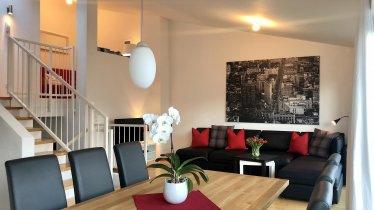 Panoramawohnzimmer mit grandiosem Ausblick, © Panorama Lounge