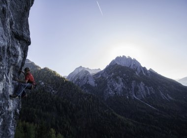 Climbing in East Tirol. Photo: Tirol Werbung / Mair Johannes