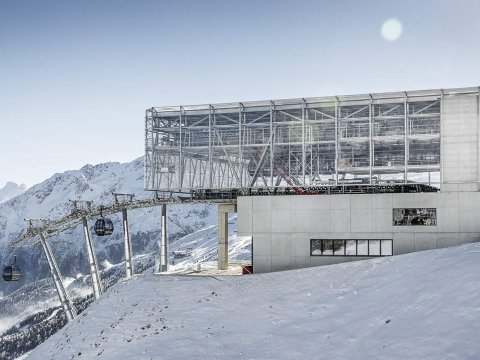 Tirol's Ötztal Valley is home to an innovation that is future-proofing the snow-sports industry: The new state-of-the-art Giggijochbahn Gondola in Sölden.