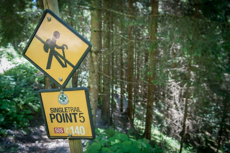 Go with the flow – a trail for bikers only. There are plenty of boards with emergency information at points which can be reached by car.