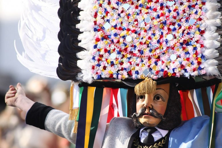 """The """"Spiegeltuxer"""" is one of the most characteristic mask characters in the greater Innsbruck Area. , © Bernhard Aichner"""