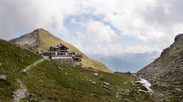 Five-star hut in a fabulous location, © Tirol Werbung/Frank Bauer
