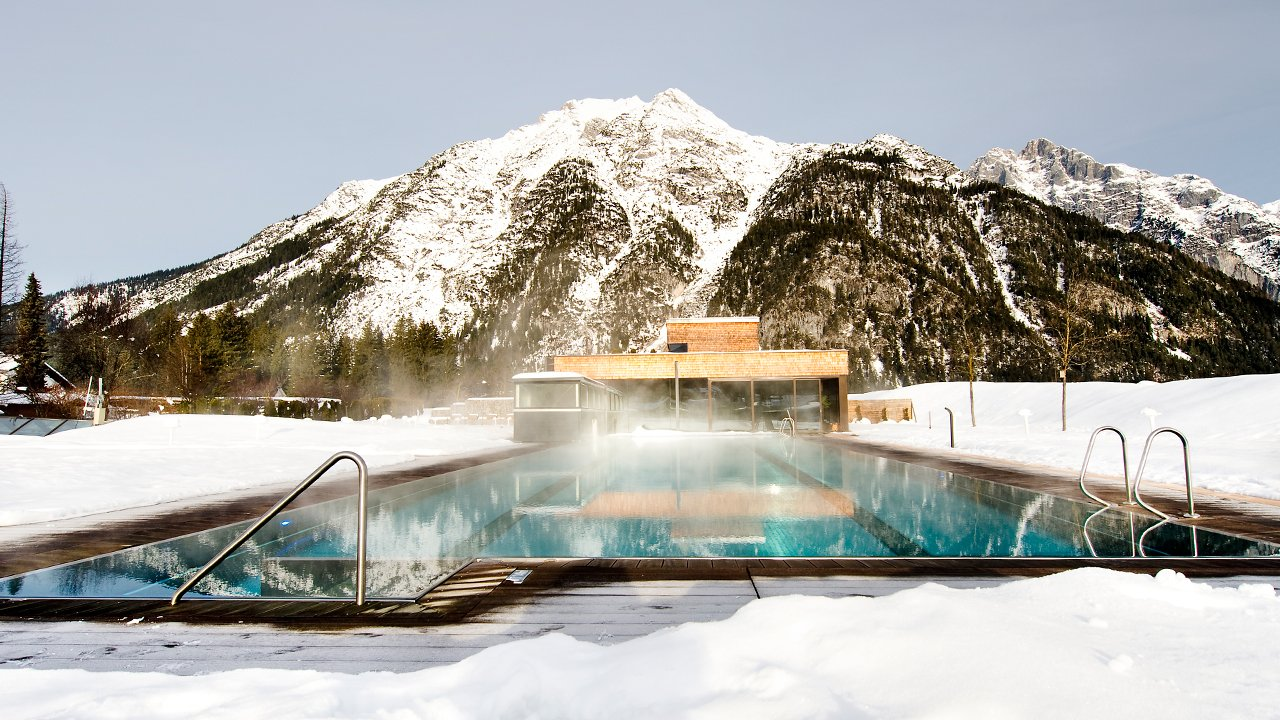 Heated pool at the Hotel Quellenhof, © Hotel Quellenhof