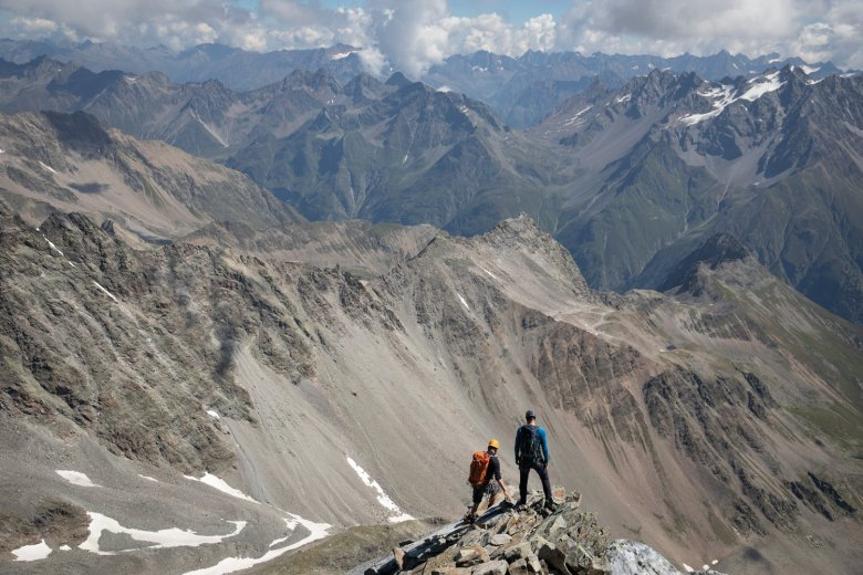 Don't look down! Retracing our steps back down the eastern ridge of the Watzespitze.