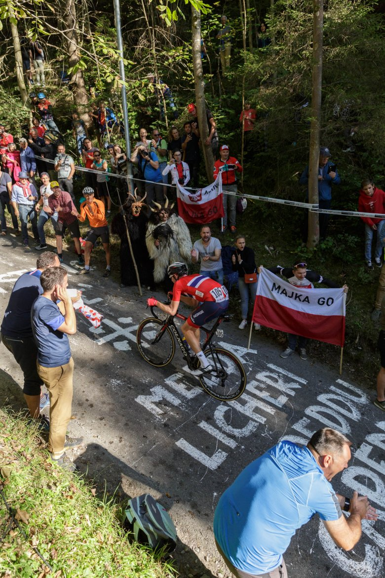 """The most daunting feature for those gunning for the rainbow jersey was the 3.2-kilometer long """"Höll"""" climb, averaging 11.5% but maxing out at a ridiculous 28%."""