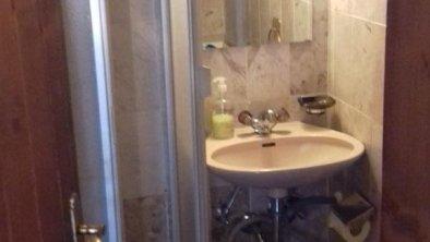 Appartement4-5Per_kleine_dusche