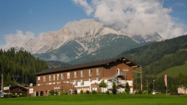 Außenansicht Sommer Hotel Steinberge