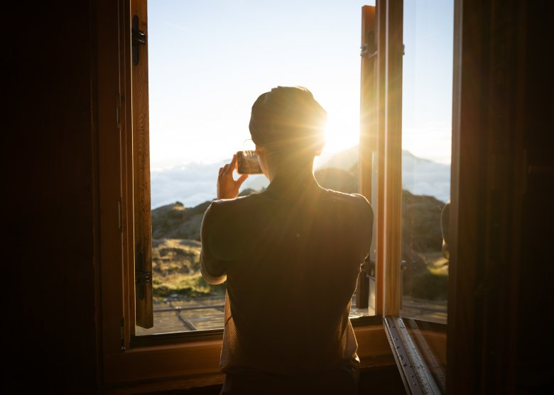 Throw open the windows and breate in the fresh mountain air - the perfect start to a perfect day in the mountains.