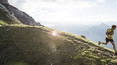 Scenic vistas and steep hills: The Stubai UItra Trail throws rugged terrain, snow and glaciers at all athletes hoping to complete this epic challenge, © Andre Schönherr