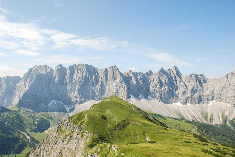 View from the Mahnkopf mountain above the Falkenhütte hut looking towards the craggy Laliderer Wände rock faces. Photo: Jannis Braun
