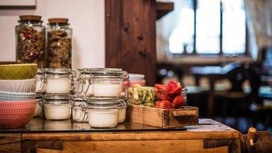 Viele selbstgemachte Frühstücksspezialitäten, © Das Halali