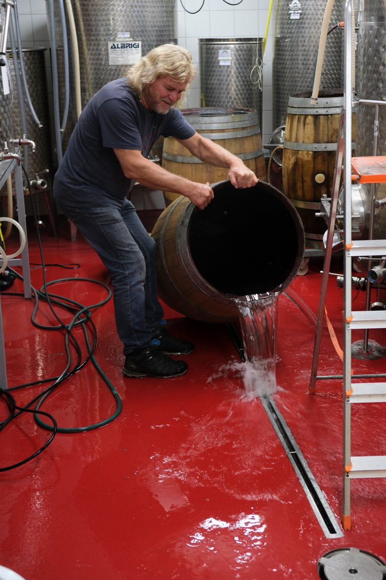 Peter buys the barrique barrels in France.