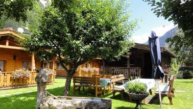 Gästehaus Martinus Mayrhofen-Garten mit Gartenhaus