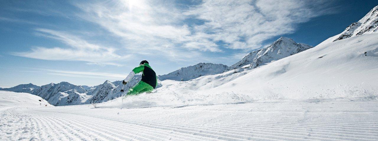 Skiing at Stubai Glacier ski resort, © TVB Stubai Tirol/Andre Schönherr mehr...