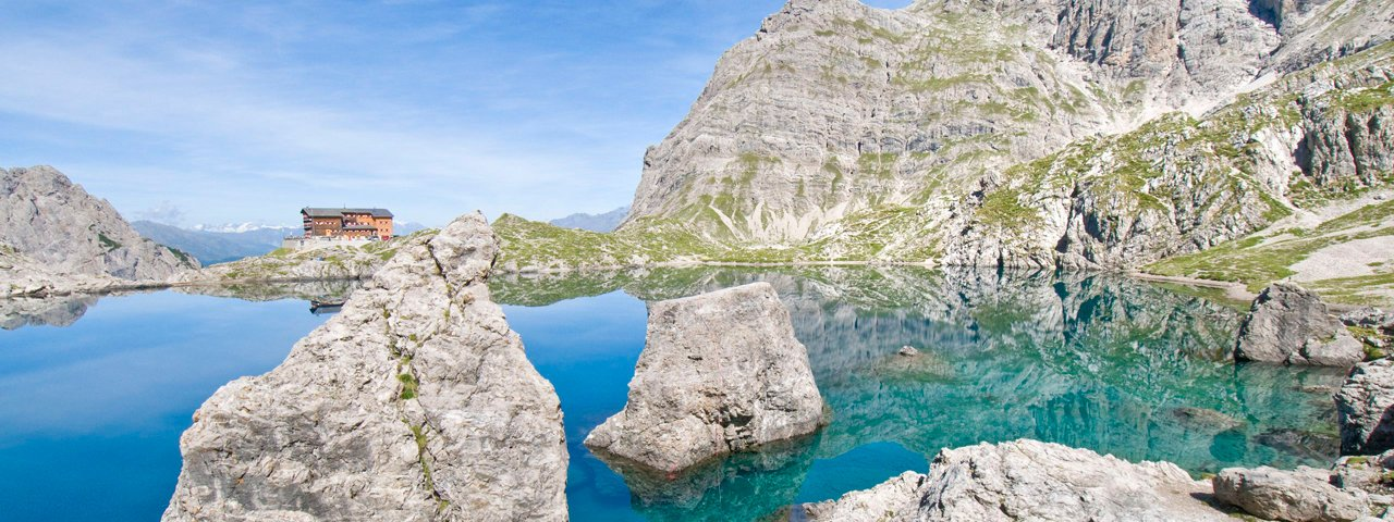 The crystal-clear Laserzsee lake, © TVB Osttirol / Leischner