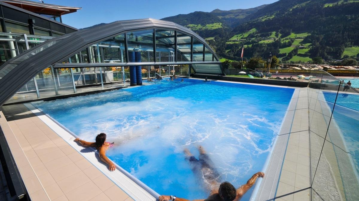 The Erlebnistherme Zillertal in Fügen is a large spa and leisure centre with plenty of activities for adults and children alike, including the longest waterslide in western Austria (133m) and a selection of saunas and steam baths., © Erste Ferienregion im Zillertal Fügen-Kaltenbach