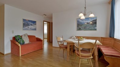 apartments_mayrhofen_barriere-free_livingroom