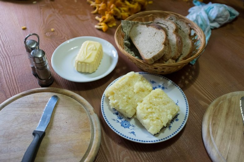 From own production: Falbesoner Ochsenalm is one of the few remaining Alpine pasture huts where milk, butter and grey cheese are still produced locally.