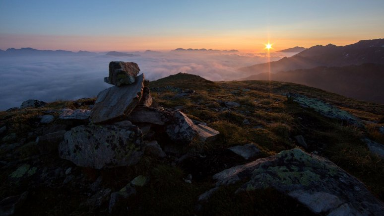 Sunrise at the Sechszeiger, © hochzeiger.com/Ritschel