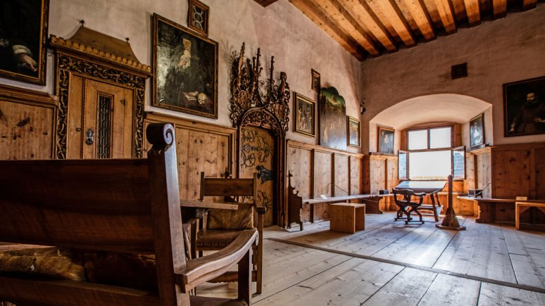 """Traditional """"Fuggerstube"""" room, © Schloss Tratzberg"""