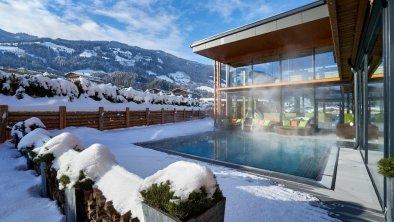 woodys-pool-aussen-winter